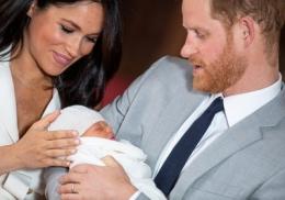 Меган Маркл и принц Гарри показали новую фотографию первенца