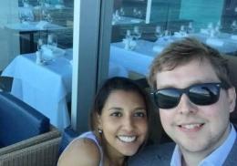 Испугавшийся крушения самолета британец наспех сделал предложение своей девушке
