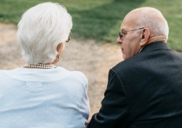 Супруги прожили вместе 68 лет и умерли с разницей в один день