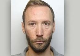Извращенец заглядывал под юбки девочкам и попал в тюрьму