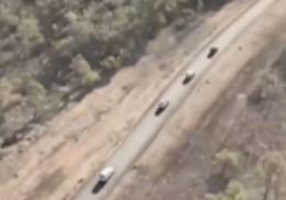 Фермеры на грузовиках и вертолете погнались за вооруженными бандитами