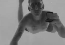 Мужчина делал предложение возлюбленной под водой и умер