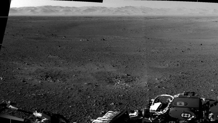 Марсоход «Curiosity» сверлит подножие горы Шарп