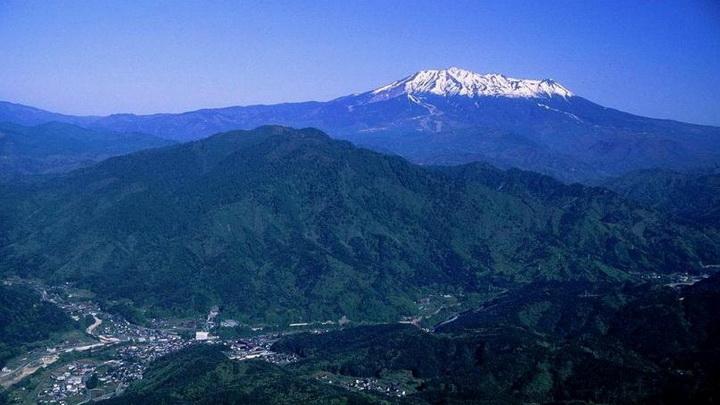 Минимум 40 человек пострадало от извержения японского вулкана Онтакэ