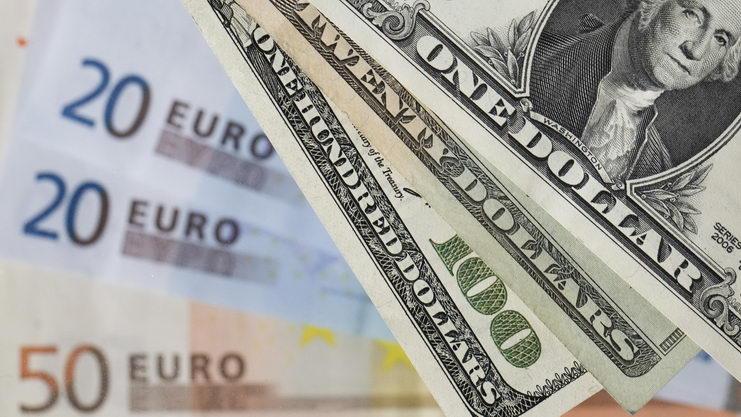 evro i dollar rastet