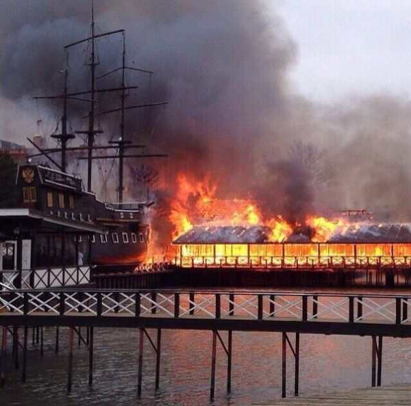 пожар в ресторане петровский причал ростов на дону