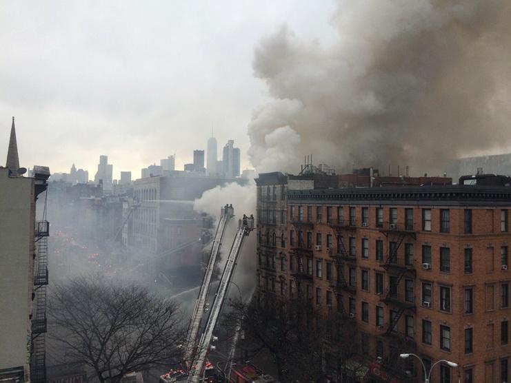 серьезный взрыв в нью йорке 27 марта фото
