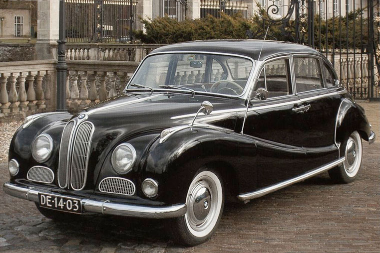первый автомобиль компании bmw-501