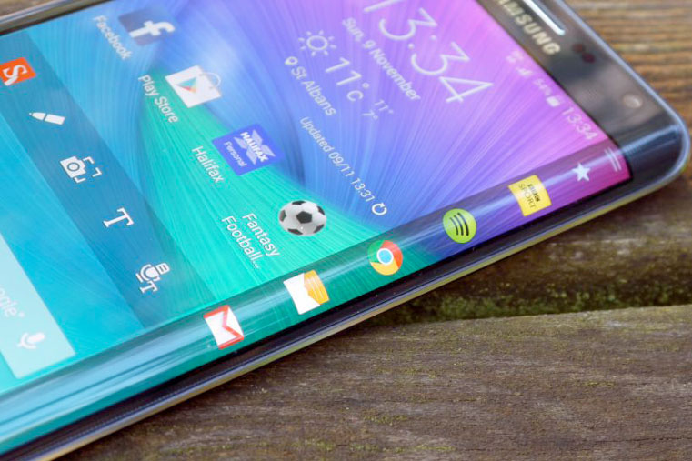 samsung-galaxy-s6-edge-гнутое стекло смартфона