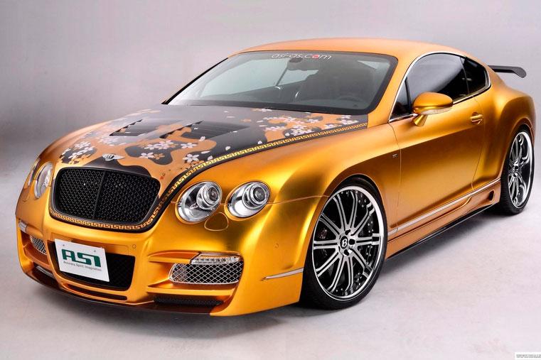 яркий цвет автомобиля
