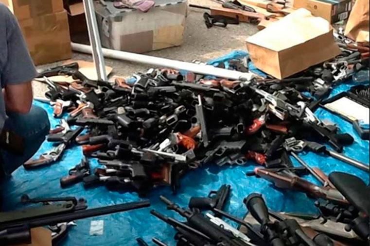 1200 единиц оружия найдено в доме