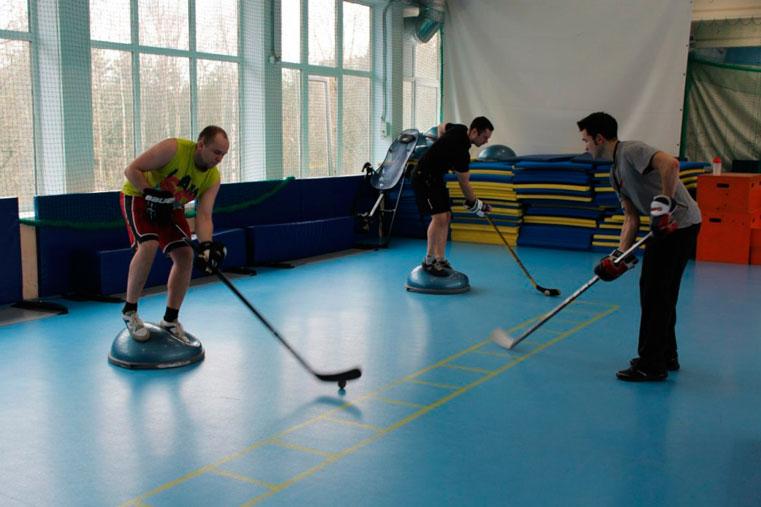 молодые тренерши по хоккею смотреть фото