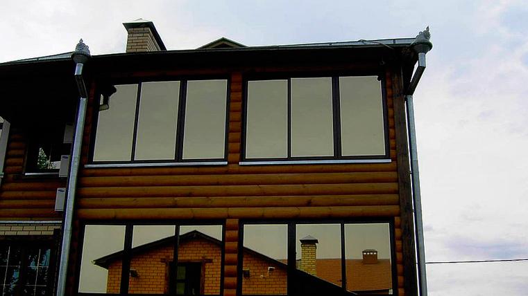 Эксперты советуют вставлять в жилую недвижимость тонированные окна