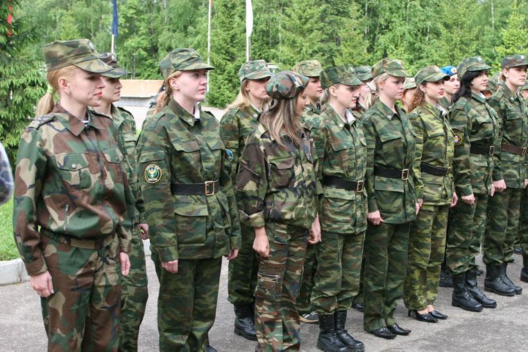 женщины в армии фото