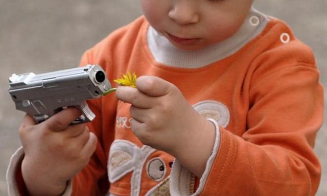 4-letniy-malysh-iz-rostova-prostrelil-sebe-v-golovu_1