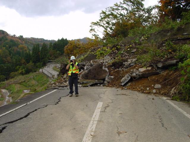 landslide_road_240515