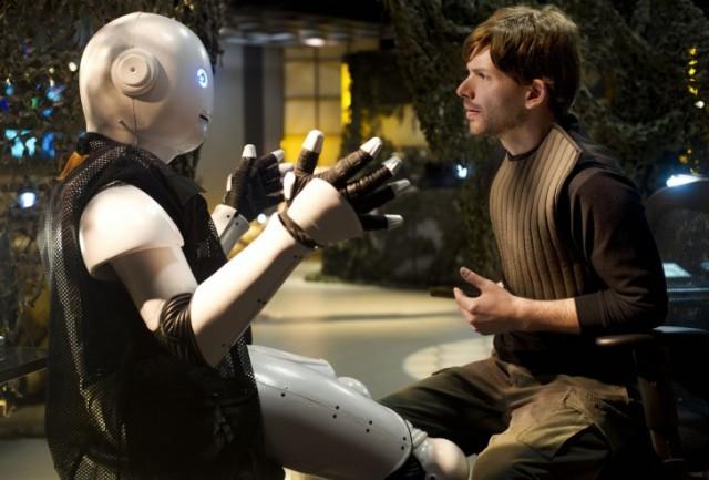 man-and-robot-728x493
