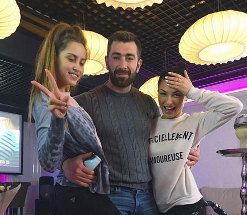 nastya-i-sonya-v-karaoke