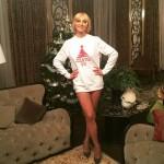 Орбакайте сняла штаны у новогодней елки