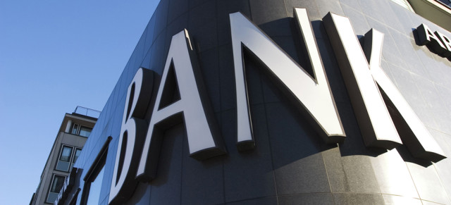 Bank-sign-3-keyimage