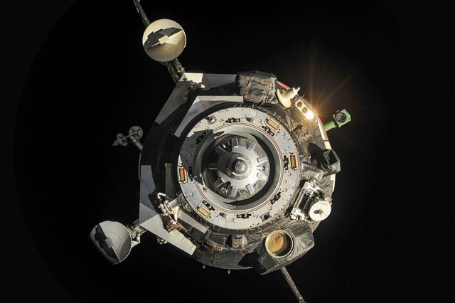 Soyuz_TMA-09M_spacecraft_departs_from_the_ISS-1