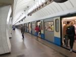 Пассажиры московского метро оказались заблокированными в поломавшемся вагоне