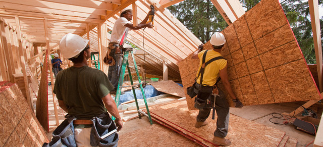 residential-home-construction-workers-keyimage
