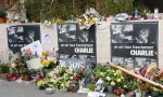 Charlie Hebdo опубликует спецвыпуск с богом-террористом