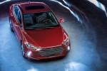 Hyundai Elantra 2017 стоит дешевле предыдущей модели