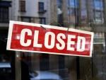 Wal-Mart закрывает магазины и сокращает сотрудников