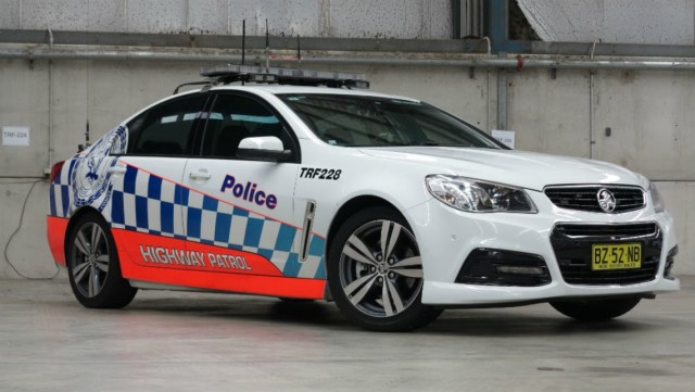 holden-commodore-police-car-nsw