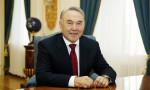 Нурсултан Назарбаев разрешил военным маршировать медленнее