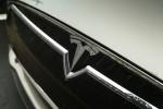 Тесла борется за право продаж без посредников в Мичигане и откладывает выпуск Model 3