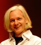 Разработчик Wikileaks Джулиан Ассанж готов сдаться правоохранителям Великобритании