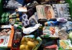 Власти запретили французским супермаркетам выбрасывать продукты