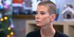 Зачем Юлия Высоцкая побрила голову?