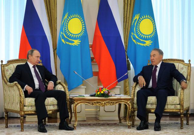 13355-6-kazahstan_i_rossiya_na_ru