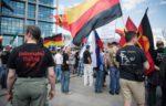 Улицы Берлина заполнили митингующие сторонники и противники Меркель