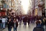В Стамбуле подверглись нападению рокеры, распивавшие пиво