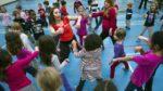 Упражнения помогают детям лучше учиться