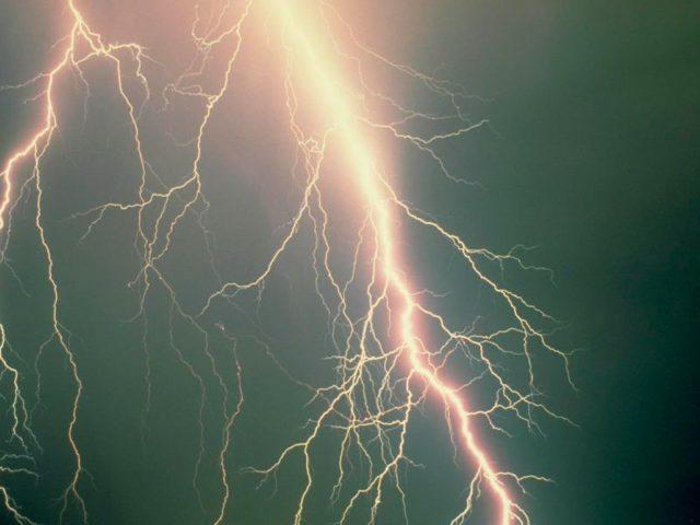 lightning_1432319324