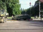 В Сумской области, прямо посреди улицы перевернулся ракетно-зенитный комплекс