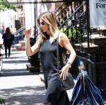 Дженнифер Энистон: По Манхеттену без нижнего белья
