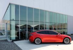 Cтали известны сроки начала производства самого дешевого электрокара Tesla