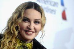58-летняя Мадонна опубликовала обнаженное селфи