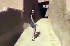 Жительница Саудовской Аравии в мини-юбке заинтересовала религиозную полицию