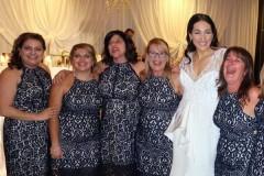 Шесть девушек случайно пришли на свадьбу в одинаковых платьях