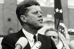 Плавки Кеннеди продали на аукционе за 5,3 тысячи долларов