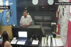 Мастера джиу-джитсу прогнали незадачливого грабителя в Бразилии