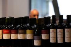 Самую дорогую в мире бутылку вина продали в США